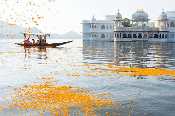 Honeymoon-packages-in-udaipur-rajasthan