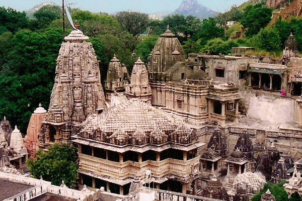 eklingji-temple-best-tourist-places-in-near-Udaipur-best-tour-travel-company-in-udaipur